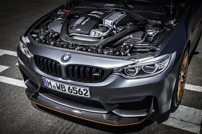 BMWM4GTS-023