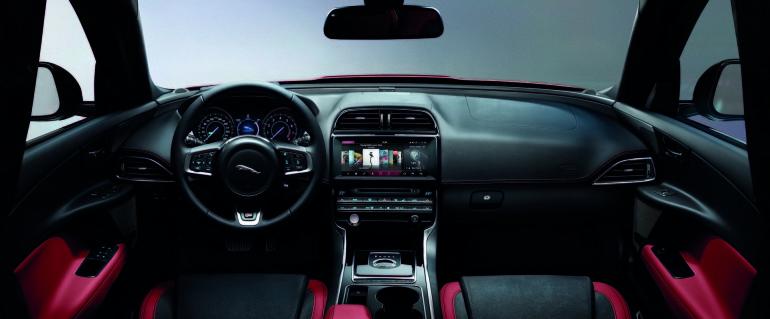 JaguarXE4WD-011