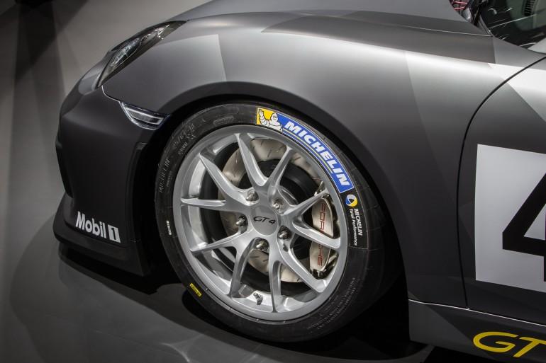 PorscheCaymanGT4Clubsport_011