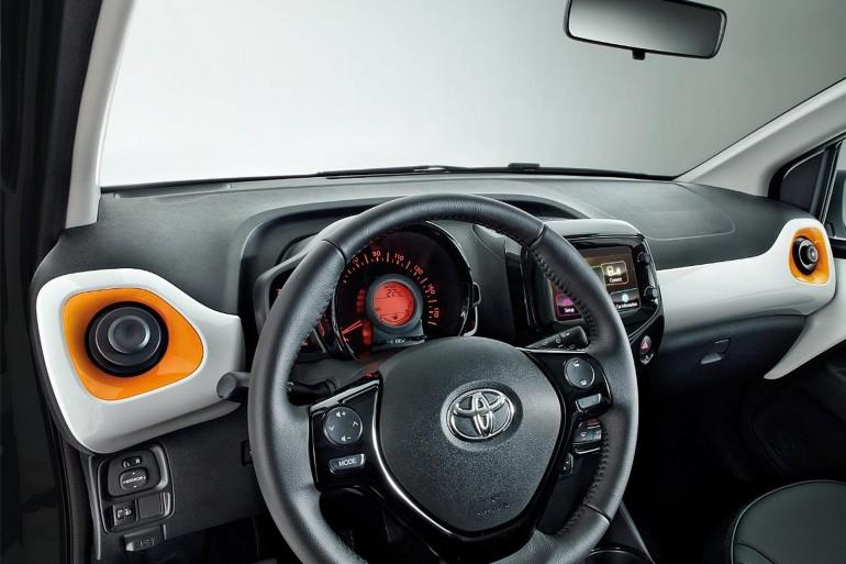 ToyotaAygoAmazonEdition-005