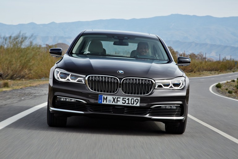 BMWSerie72016-001