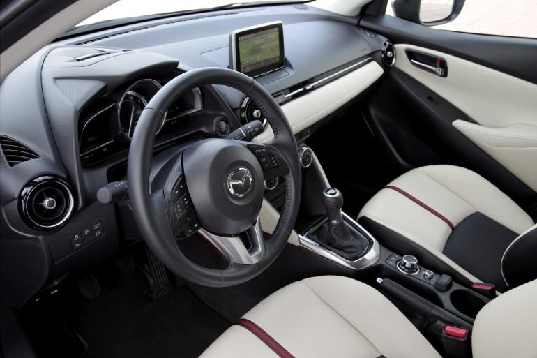 Mazda2SkyactivD-010
