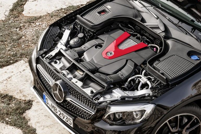 Mercedes-AMG GLC 43 (X 253), 2016 Exterieur: Obsidianschwarz; Interieur: Leder Schwarz, Performance Sitze V6-Biturbomotor, 270 kW(367 PS), 520 Nm Kraftstoffverbrauch kombiniert (l/100 km): 8,3 CO2-Emissionen kombiniert (g/km): 189 exterior: obsidian black; interior: leather black, performace seats V6 biturbo engine, 270 kW(367 hp), 520 Nm Fuel consumption, combined (l/100 km): 8.3 CO2 emissions, combined (g/km): 189