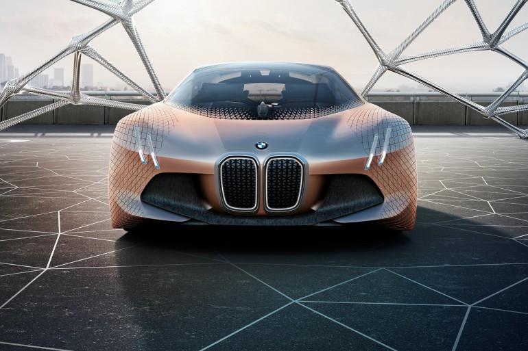 BMWVisionNext100-020