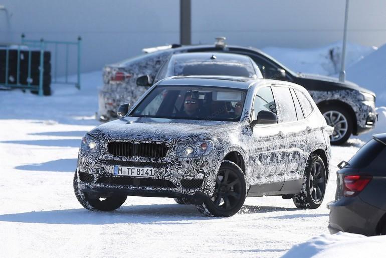 BMWX32017-002