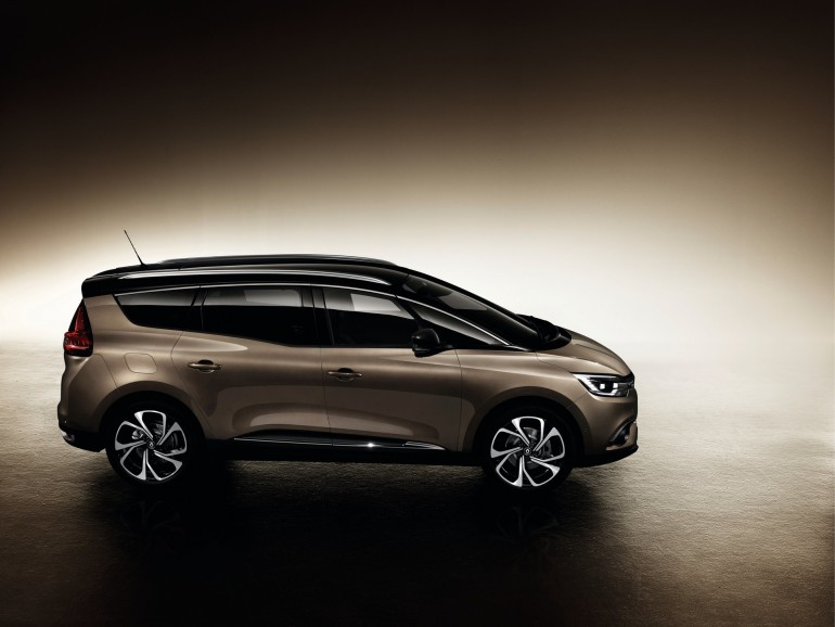 RenaultGrandScenic-003