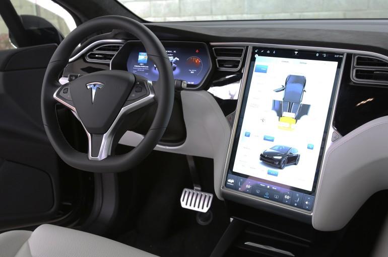 TeslaModelX2016-017