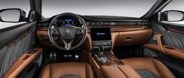 MaseratiQuattroporte-008