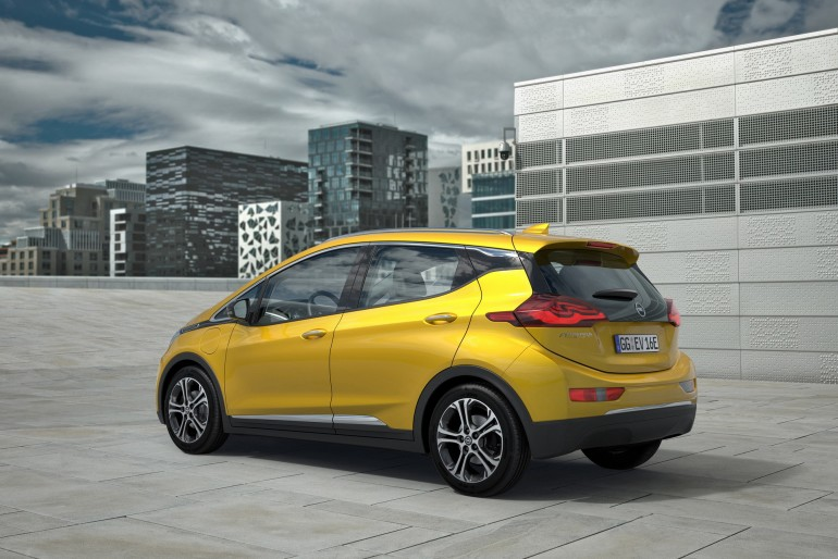 Exhibition star: The Opel Ampera-e will celebrate its world premiere at the Paris Motor Show on September 29.