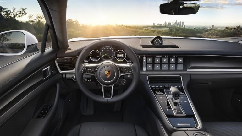 PorschePanamera4EHybrid-007