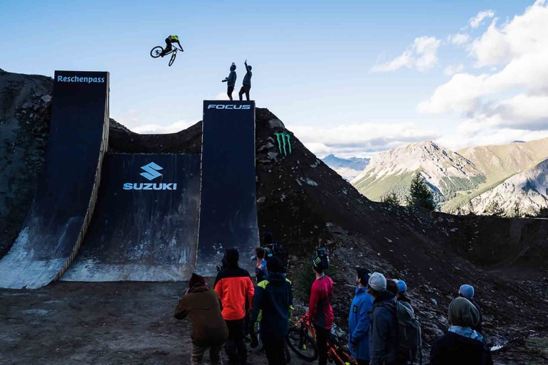 Suzuki Nine Knights MTB 2016