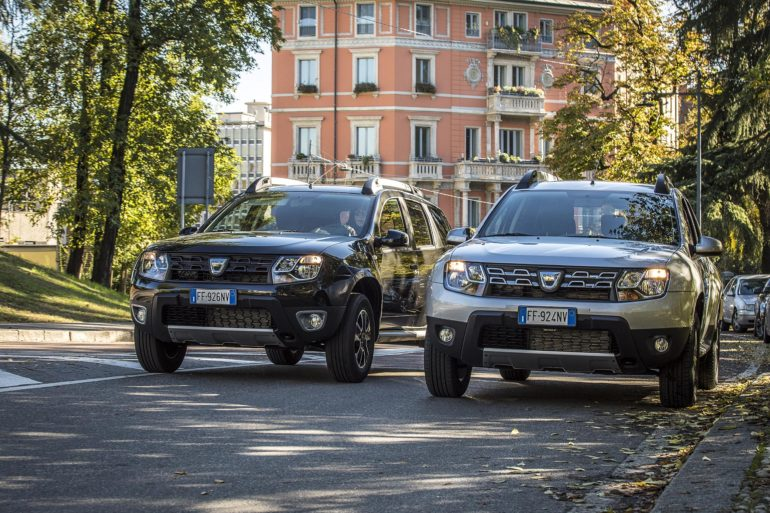 fast test dacia duster 1 6 gpl 115 cv s s red live. Black Bedroom Furniture Sets. Home Design Ideas