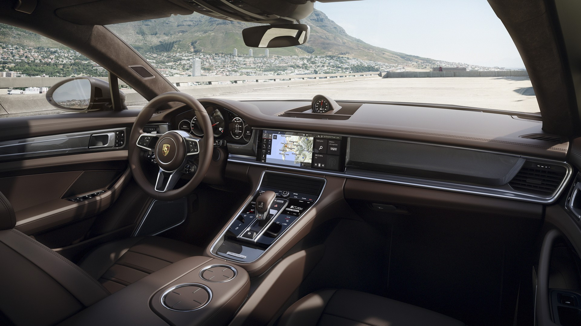 Interieur panamera turbo sport turismo red live for Interieur sport youtube