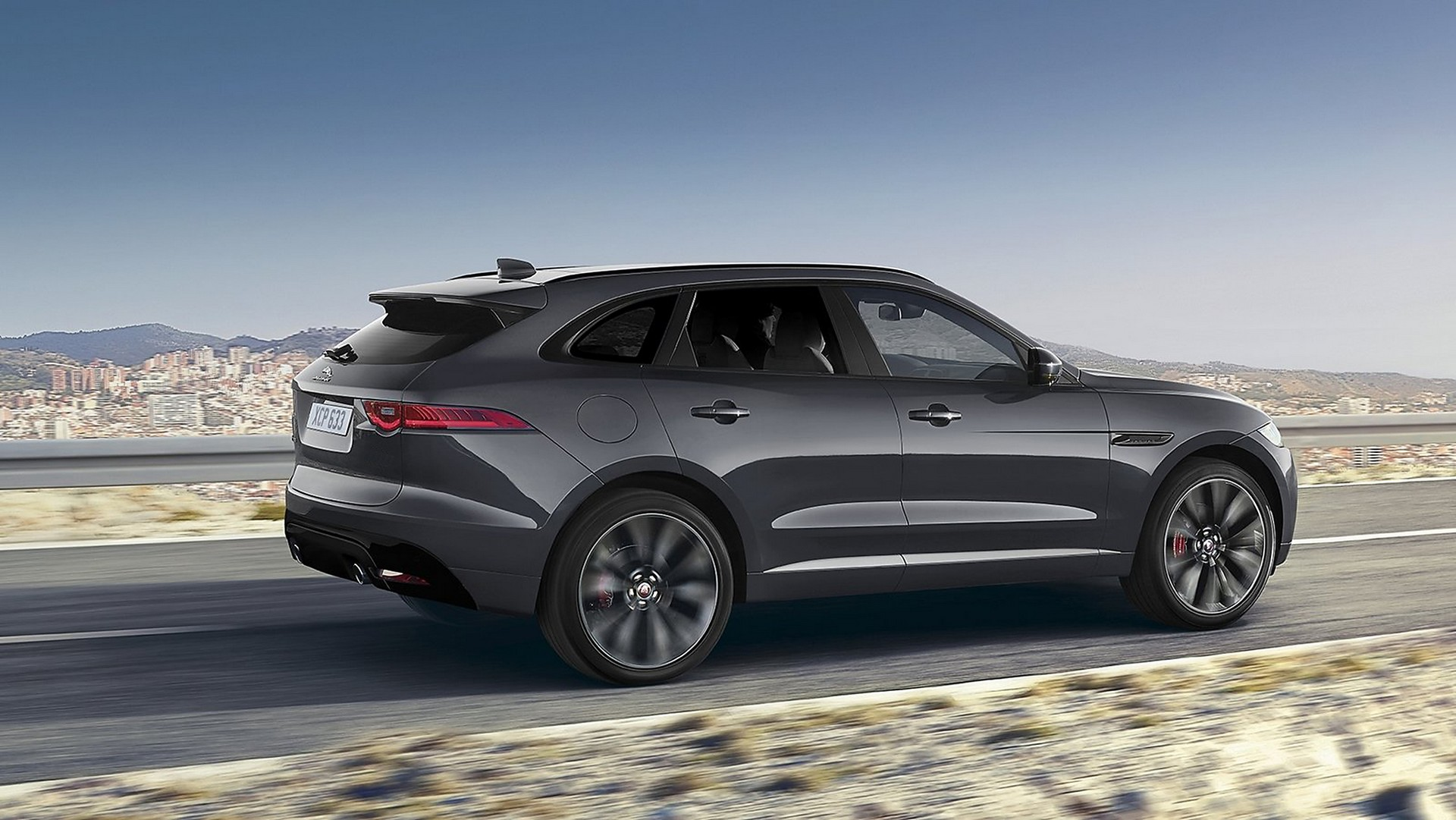 jaguar f pace dark sport edition 150 esemplari a tiratura limitata. Black Bedroom Furniture Sets. Home Design Ideas