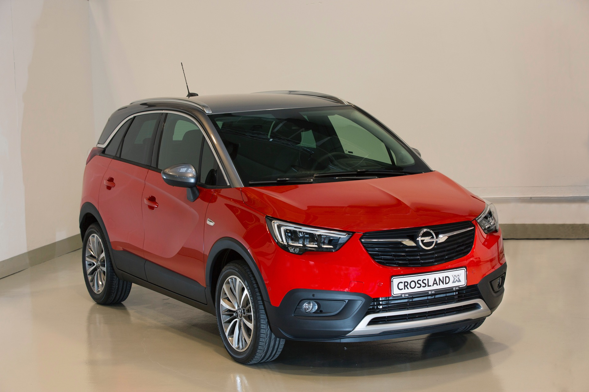 vista e toccata opel crossland x red live. Black Bedroom Furniture Sets. Home Design Ideas