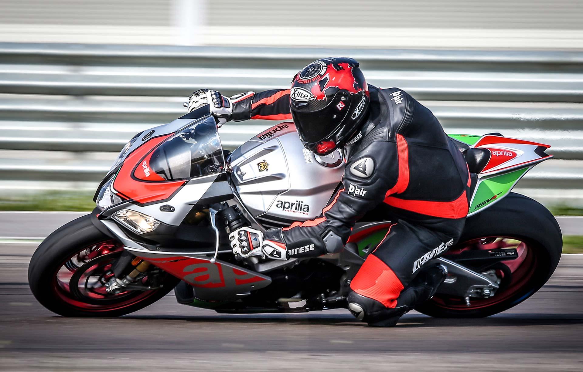 Novità moto - Aprilia RSV4 RF Factory Works - MotorBox