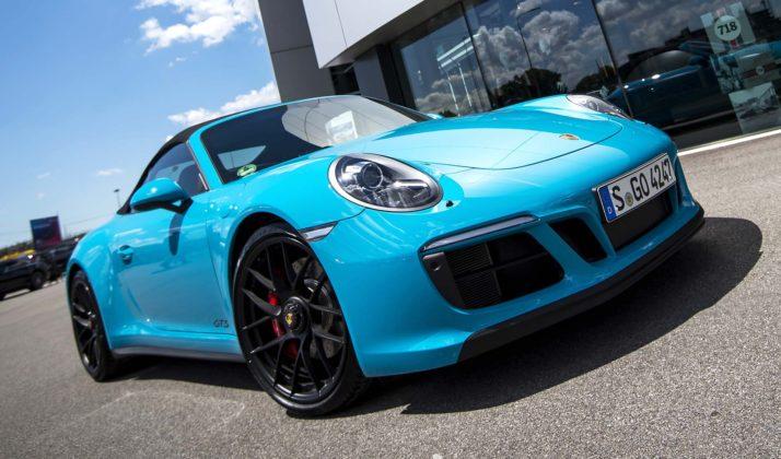 Porsche 911 Carrera GTS frontale statica