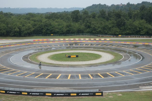 Pirelli PZero Velo dinamica pista
