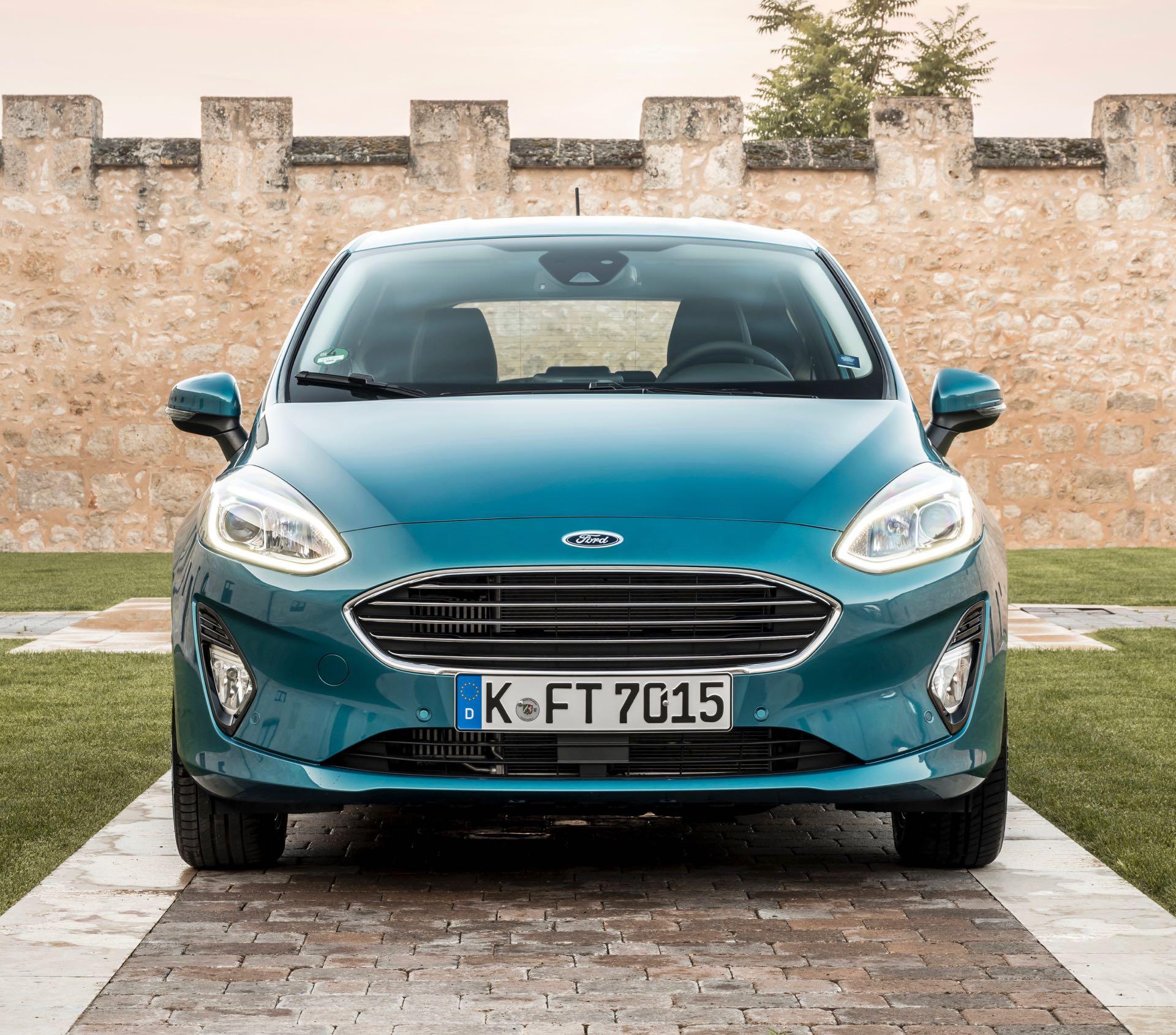 ford ka 2017 with Prova Ford Fiesta 2018 on Ford Ka Oficjalnie W Europie likewise Teste Chery Qq Flex O Carro Mais Barato Do Brasil as well Watch additionally Gama Nueva Ford Ecosport 2018 additionally Ford Ka Sedan 2018.