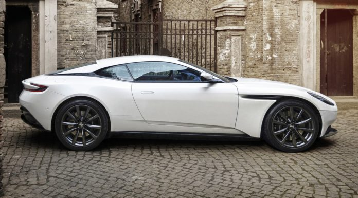 Aston Martin DB11 V8 statica