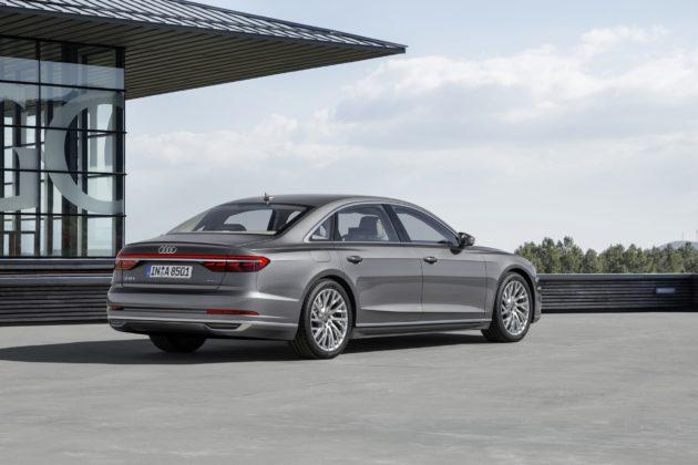 Audi A8 L statica
