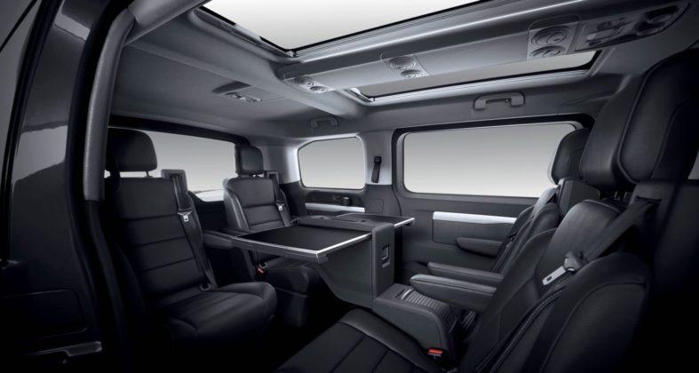 Peugeot Traveller Business Vip con abitacolo a sei posti