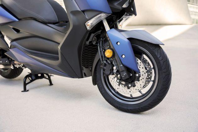 Yamaha X-MAX 400 2018, doppio disco da 267 mm