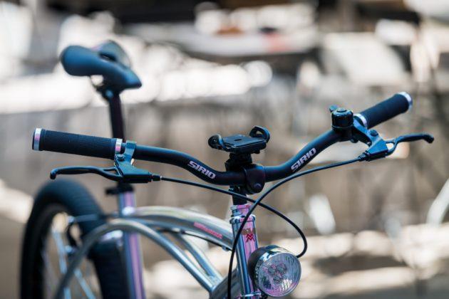 Moto Morini Limited e-Bike, vista anteriore manubrio