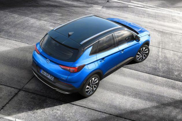 Opel Grandland X, tre quarti posteriore dall'alto statica