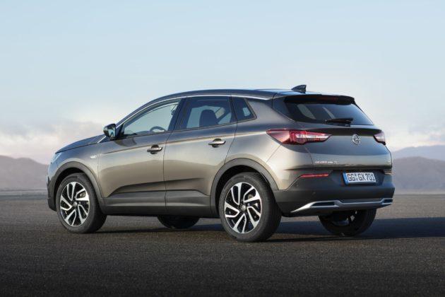 Opel Grandland X, tre quarti posteriore statica
