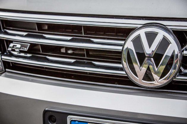 Volkswagen Tiguan 2.0 BiTDI - calandra