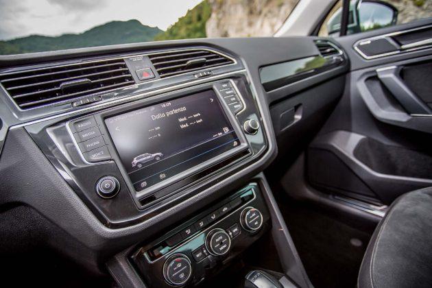 Volkswagen Tiguan 2.0 BiTDI - schermo