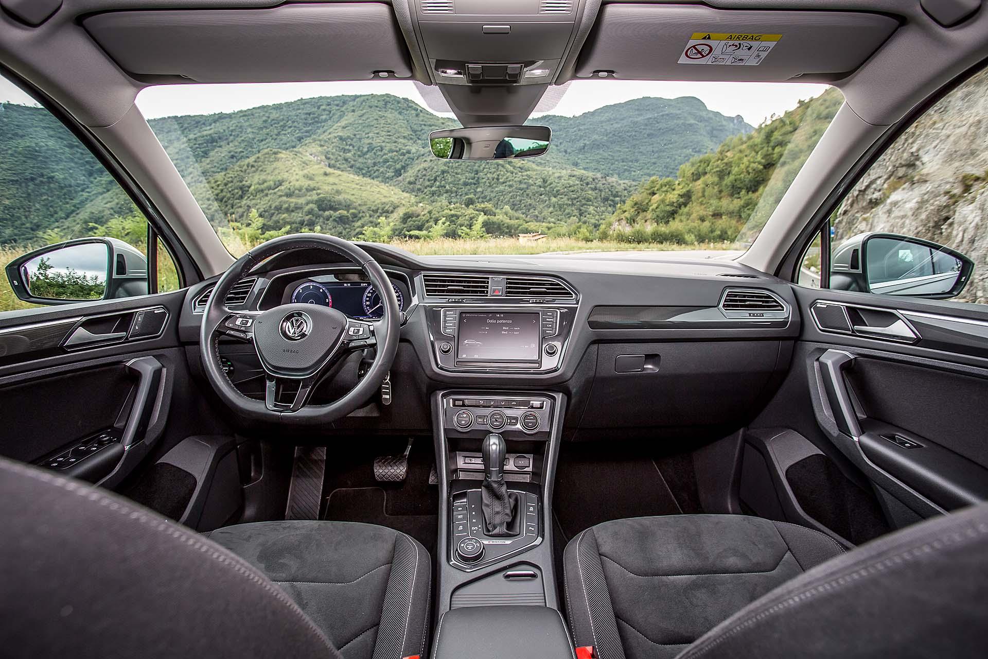 Volkswagen Tiguan 2.0 BiTDI - interni