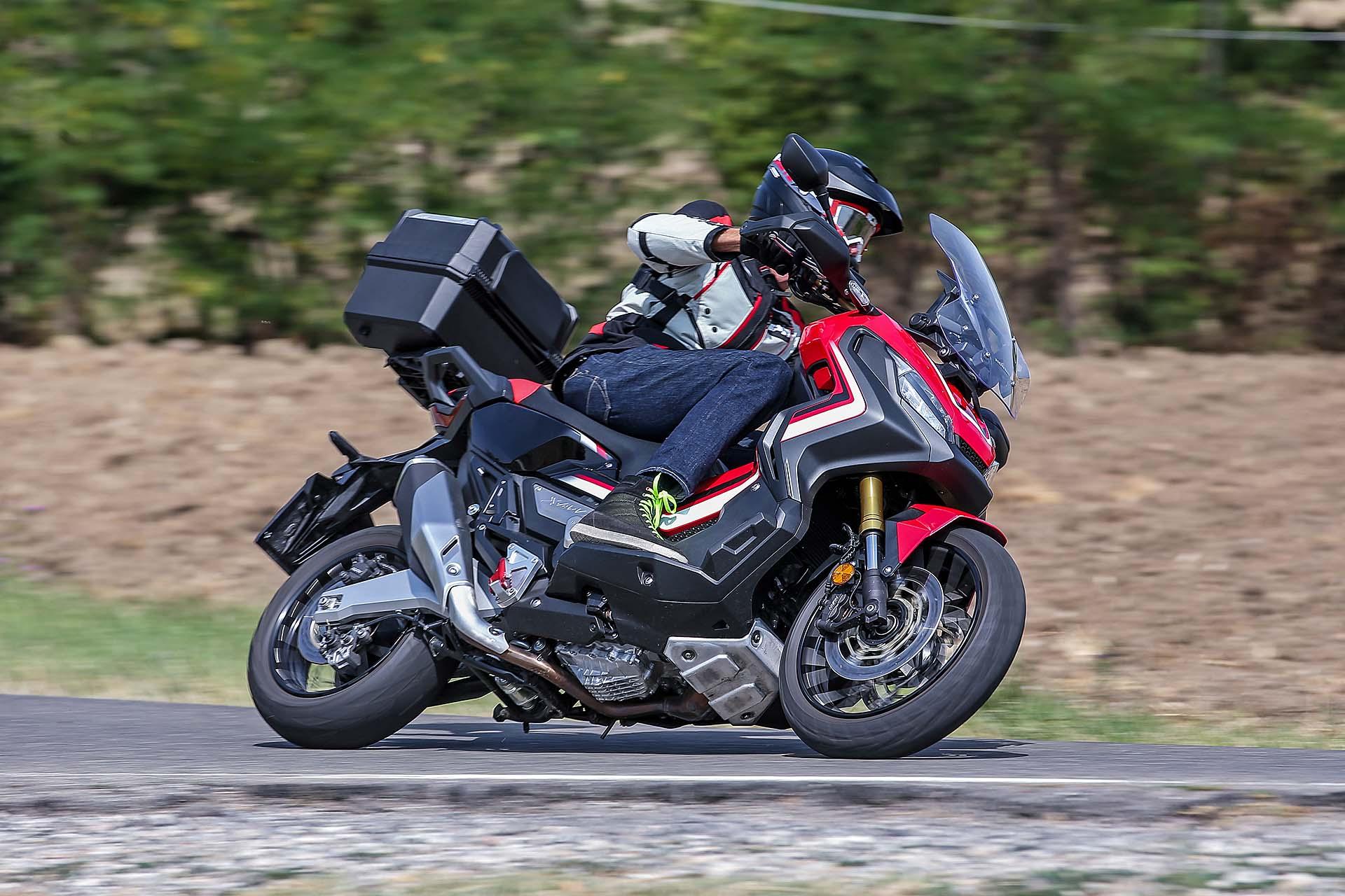 Honda X-ADV - RED Live