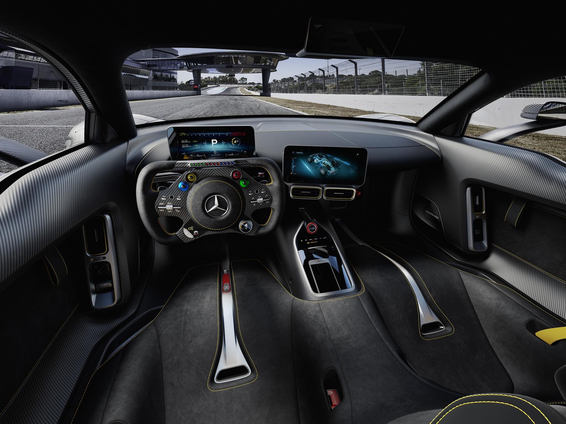 Mercedes-AMG Project One interni