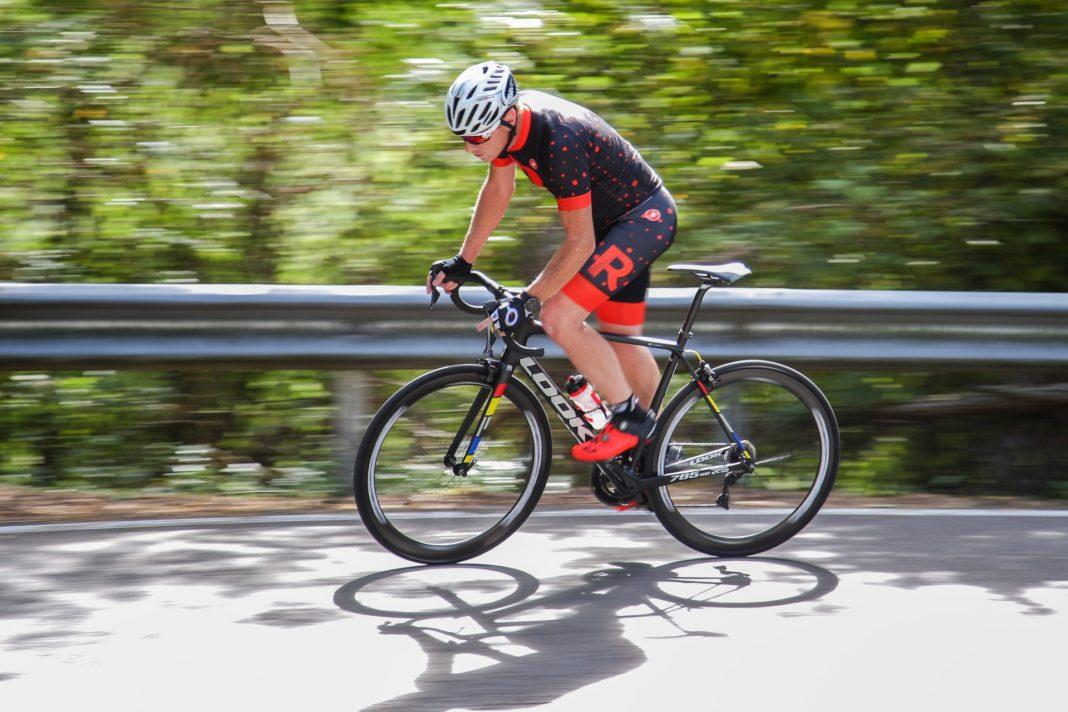 Bici Look 785 Huez rs, movimento in salita