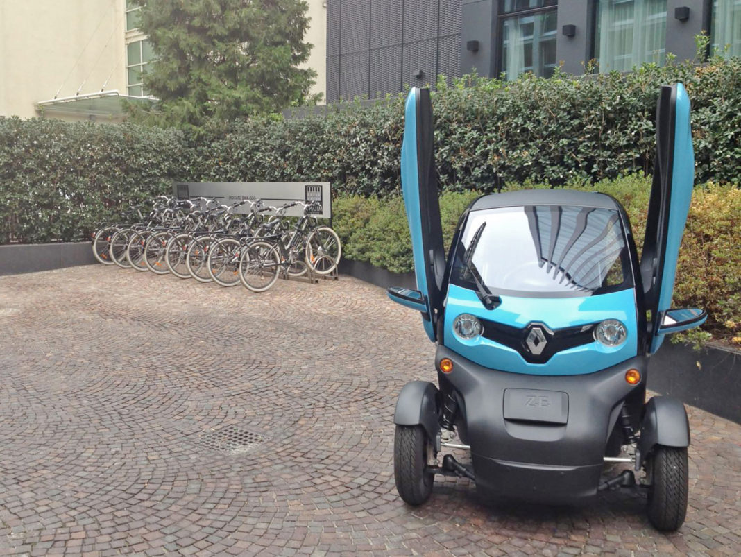 Enegan Renault Twizy statica front