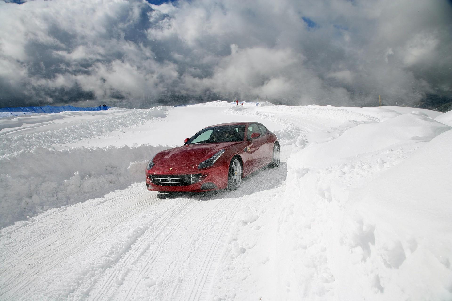 Ferrari FF dinamica
