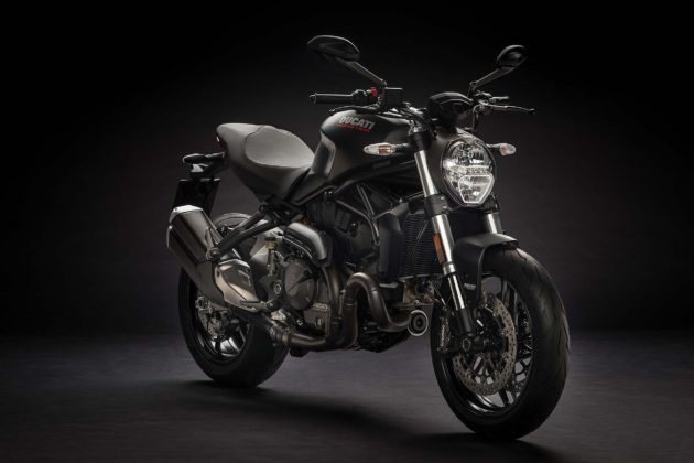Ducati Monster 821 MY18 - 3/4 anteriore nera
