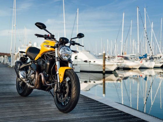 Ducati Monster 821 MY18 - 3/4 anteriore