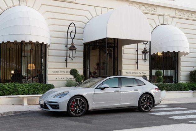 Porsche Panamera Sport Turismo statica ambientata