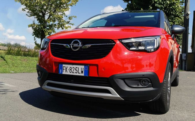 Opel Crossland X dettaglio frontale