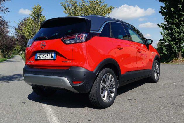 Opel Crossland X statica 3/4 posteriore