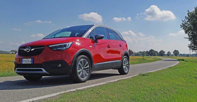Opel Crossland X movimento strada