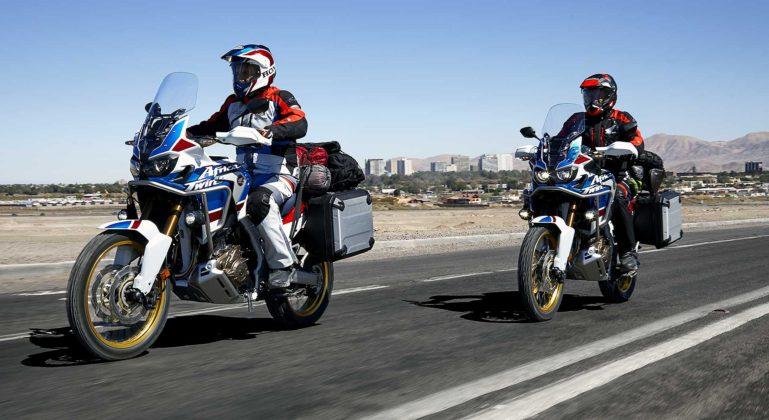 Honda CRF1000L Africa Twin Adventure Sports coppia strada chips asfalto viaggio