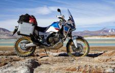 Honda CRF1000L Africa Twin Adventure Sports frontale laterale ambientata deserto Moto da non perdere eicma