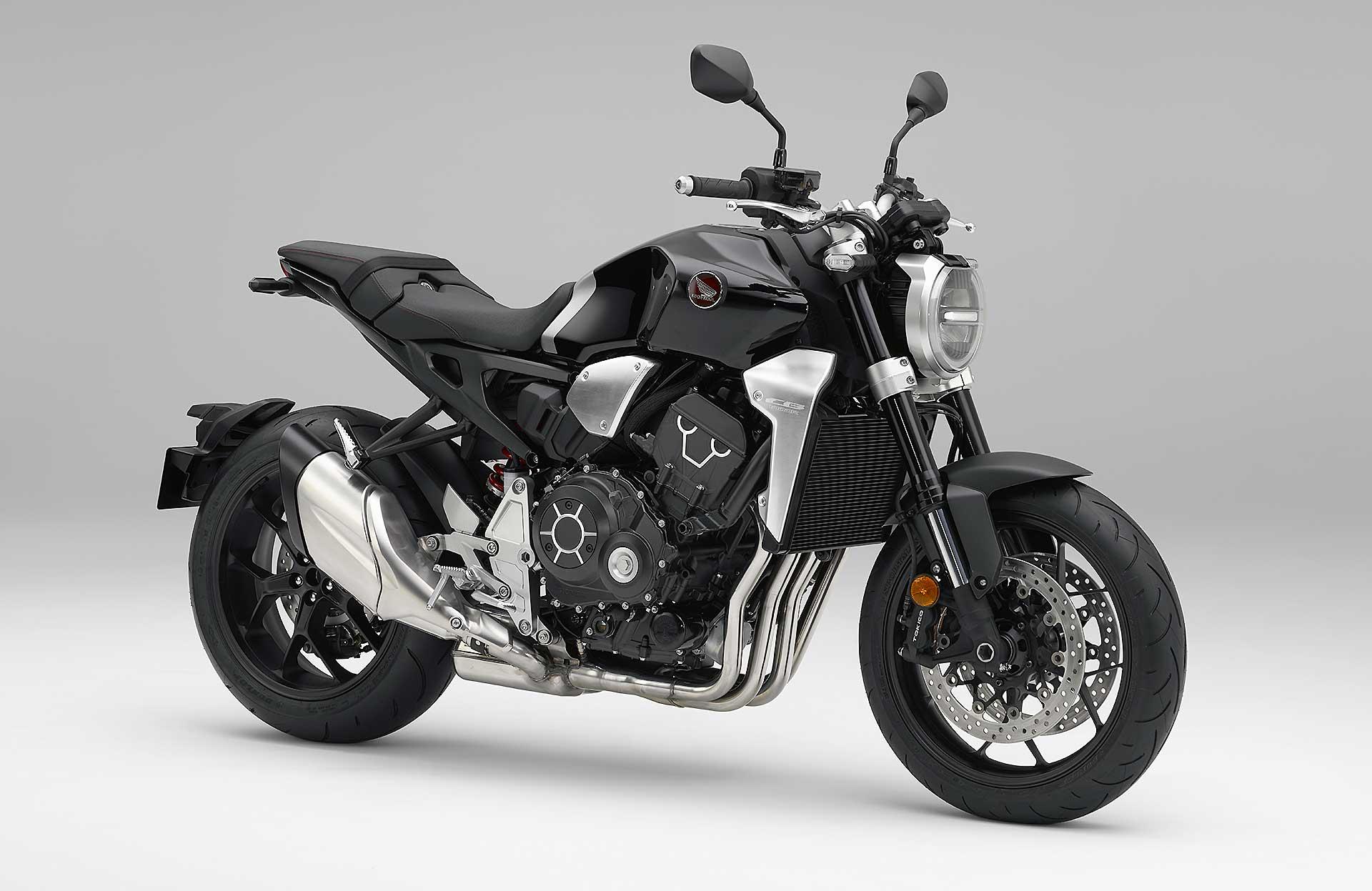 Honda CB1000R frontale su sfondo bianco EICMA, le migliori secondo Red