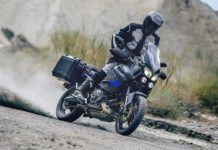 Yamaha Super Ténéré Raid Edition frontale pilota sabbia