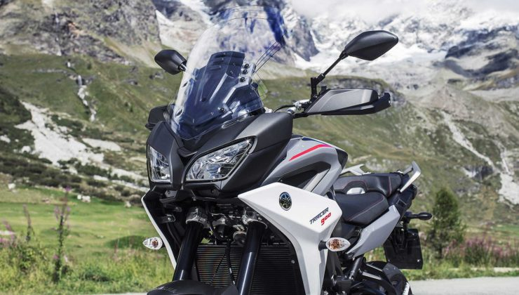Yamaha Tracer 900 e Tracer 900 GT 2018 dettagli frontali