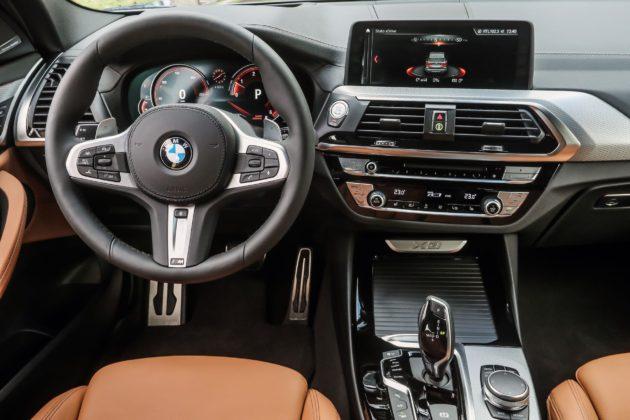 BMW X3 2018 con strumentazione digitale e touch screen da 10,2 pollici